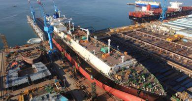Galangan Kapal: Baru Berbulan Madu, Kini Mulai Seret