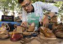 Dari Limbah Kulit Ceker Ayam Jadi Sepatu